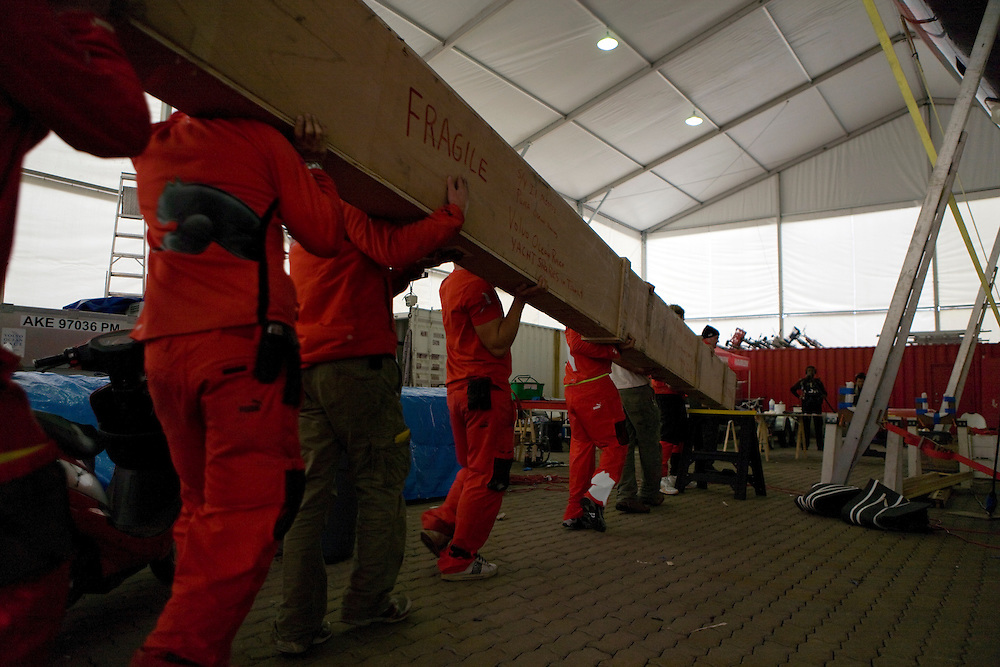 03FEB09. Il Mostro's new boom arrives at the PUMA Ocean Racing boat shed in Qingdao from Southern Spars in New Zealand. Il Mostro's boom broke on Leg 4 from Singapore to Qingdao in the heavy upwind conditions with gusts of up to 50 knots