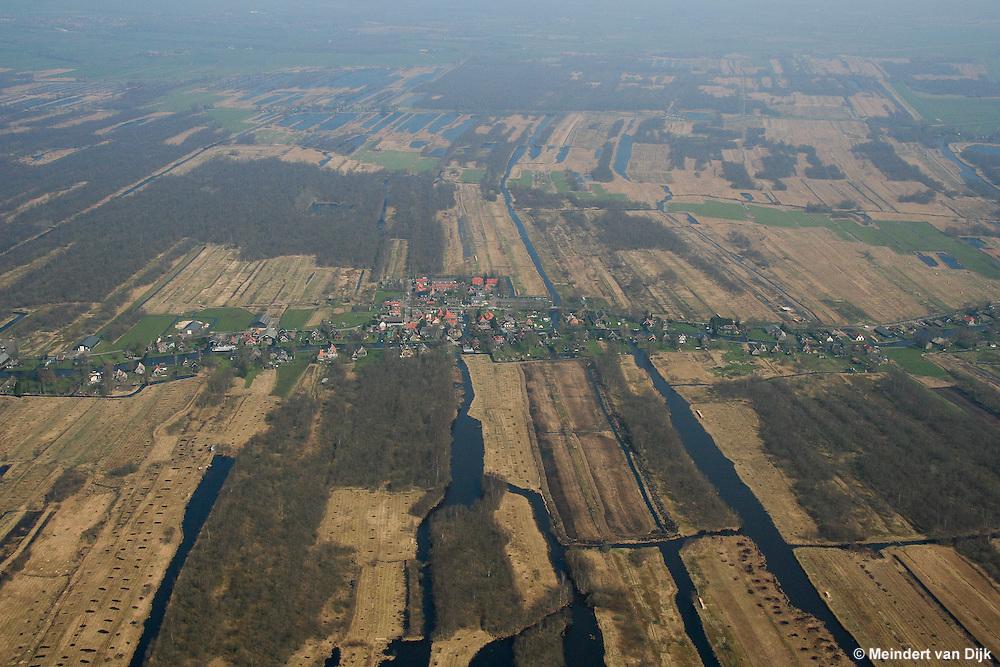 Luchtfoto van de Weerribben bij Kalenberg.