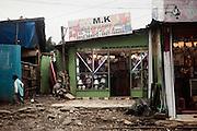 Attività commercialI nella zona di Canchis, Addis Ababa 12 settembre 2014.  Christian Mantuano / OneShot <br /> <br /> A shop in the slum in Canchis, Addis Ababa September 12, 2014.