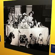 NLD/Apeldoorn/20081101 - Opening tentoonstelling SpeelGoed op paleis Het Loo, foto's koninklijk huis in hun kinderjaren