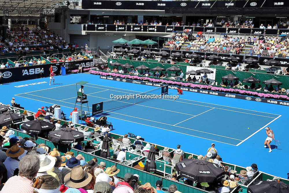 General view of centre court at the WTA 2011 ASB Classic, ASB Tennis Centre, Auckland, New Zealand. Wednesday 5 January 2011. Photo: Chris Symes/photosport.co.nz
