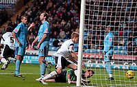 Photo: Ed Godden.<br />Coventry City v Derby County. Coca Cola Championship. 11/11/2006. Derby's Steve Howard (out of picture) scores to make it 2-1.