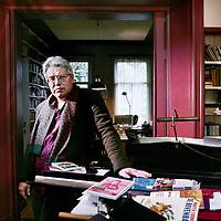 Nederland, Amsterdam , 23 oktober 2009..Theodor Holman (Amsterdam, 9 januari 1953) is een Nederlands schrijver, columnist, scenarioschrijver en radiopresentator. Hij werkte aan het begin van zijn carrière langere tijd als journalist bij Het Parool..Writer, journalist and columnist Theodor Holman.