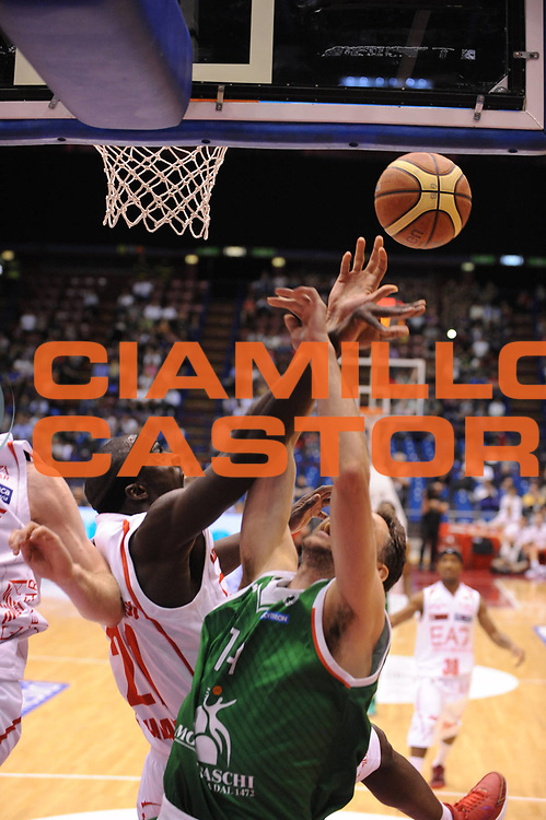 DESCRIZIONE : Milano Lega A 2012-13 Play Off Quarti di Finale Gara2 EA7 Olimpia Armani Milano Montepaschi Siena<br /> GIOCATORE : Pops Mensah-Bonsu<br /> CATEGORIA : stoppata<br /> SQUADRA : EA7 Olimpia Armani Milano Montepaschi Siena<br /> EVENTO : Campionato Lega A 2012-2013 Play Off Quarti di Finale Gara2<br /> GARA : EA7 Olimpia Armani Milano Montepaschi Siena<br /> DATA : 12/05/2013<br /> SPORT : Pallacanestro<br /> AUTORE : Agenzia Ciamillo-Castoria/M.Marchi<br /> Galleria : Lega Basket A 2012-2013<br /> Fotonotizia : Milano Lega A 2012-13 EA7 Olimpia Armani Milano Montepaschi Siena<br /> Predefinita :