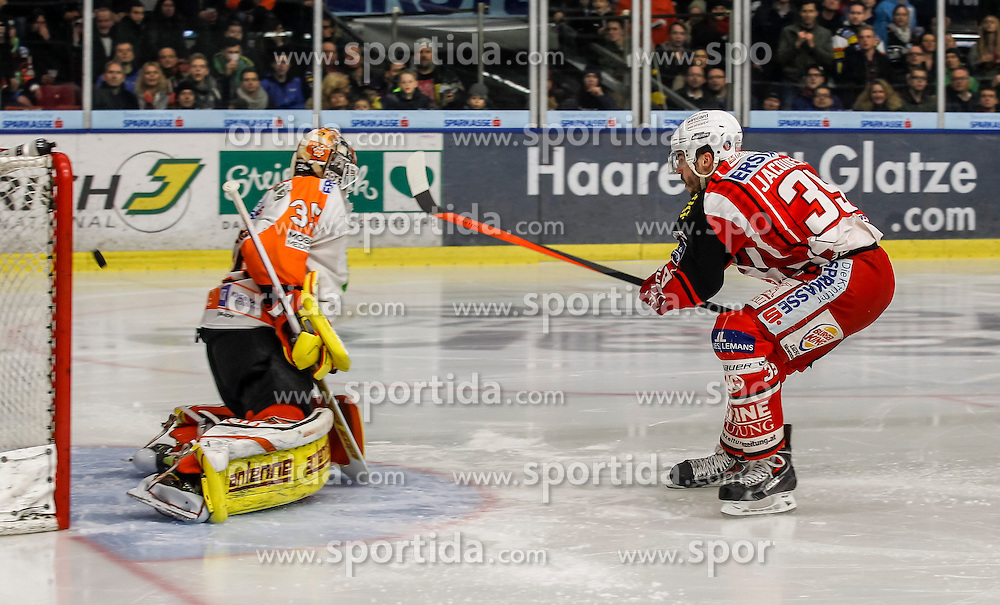 27.02.2015, Eisstadion Liebenau, Graz, AUT, EBEL, Moser Medical Graz 99ers vs EC KAC, 52. Runde, im Bild Danny Sabourin (Moser Medical Graz 99ers) und Jean-Francois Jacques (EC KAC) // Danny Sabourin (Moser Medical Graz 99ers) and Jean-Francois Jacques (EC KAC) during the Erste Bank Icehockey League 52nd Round match between Moser Medical Graz 99ers and EC KAC at the Ice Stadium Liebenau, Graz, Austria on 2015/02/27, EXPA Pictures © 2015, PhotoCredit: EXPA/ Erwin Scheriau