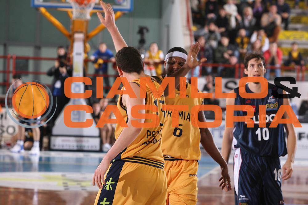 DESCRIZIONE : Porto San Giorgio Lega A1 2006-07 Premiata Montegranaro Eldo Napoli <br /> GIOCATORE : Slay Amoroso <br /> SQUADRA : Premiata Montegranaro <br /> EVENTO : Campionato Lega A1 2006-2007 <br /> GARA : Premiata Montegranaro Eldo Napoli <br /> DATA : 18/02/2007 <br /> CATEGORIA : Esultanza <br /> SPORT : Pallacanestro <br /> AUTORE : Agenzia Ciamillo-Castoria/G.Ciamillo <br /> Galleria : Lega Basket A1 2006-2007 <br />Fotonotizia : Porto San Giorgio Campionato Italiano Lega A1 2006-2007 Premiata Montegranaro Eldo Napoli <br />Predefinita :