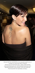 Model SOPHIE ANDERTON at an award ceremony in London on 2nd April 2001.		OMS 50