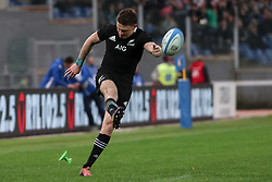 November 24, 2018 - Rome, Rome, Italy - Beauden Barrett during the Test Match 2018 between Italy and New Zealand at Stadio Olimpico on November 24, 2018 in Rome, Italy. (Credit Image: © Emmanuele Ciancaglini/NurPhoto via ZUMA Press)