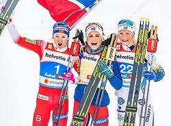 02.03.2019, Seefeld, AUT, FIS Weltmeisterschaften Ski Nordisch, Seefeld 2019, Langlauf, Damen, Massenstart 30 km, im Bild v.l. Ingvild Flugstad Oestberg (NOR), Therese Johaug (NOR), Frida Karlsson (SWE) // f.l. Ingvild Flugstad Oestberg of Norway Therese Johaug of Norway and Frida Karlsson of Sweden during the ladie's Mass start 30 km competition of the FIS Nordic Ski World Championships 2019. Seefeld, Austria on 2019/03/02. EXPA Pictures © 2019, PhotoCredit: EXPA/ Stefan Adelsberger