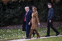 President Donald Trump, First Lady Melania Trump and their son, Barron, walk to board Marine One on the South Lawn of the White House on Nov. 26, 2019 in Washington, D.C. President Trump, First Lady Melania Trump and their son Barron are traveling to Florida for the Thanksgiving holiday. Photo by Pete Marovich/ABACAPRESS.COM  Knauss Melania Trump Melania Knauss Melania Trump Melania Trump Donald Trump Donald Petit-copain Petit-amie Petit-ami Petit amie Petit ami Fiancee Fiance Ehemann Husband Wife Ehefrau Epoux Epouse Femme Mari Amoureux Compagne Compagnon Companion Couple Couple Girlfriend  | 710720_002 Washington