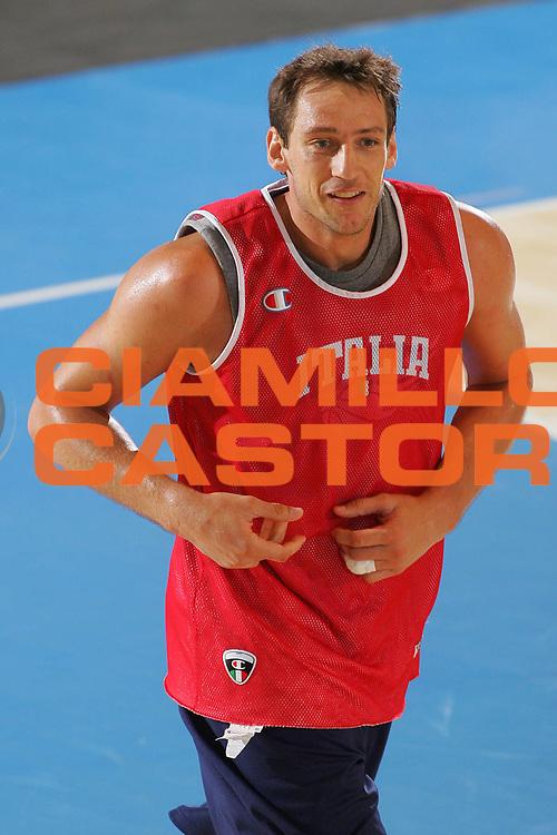 DESCRIZIONE : Bormio Ritiro Nazionale Italiana Maschile Preparazione Eurobasket 2007 Allenamento <br /> GIOCATORE : Denis Marconato <br /> SQUADRA : Nazionale Italia Uomini <br /> EVENTO : Bormio Ritiro Nazionale Italiana Uomini Preparazione Eurobasket 2007 <br /> GARA : <br /> DATA : 25/07/2007 <br /> CATEGORIA : Allenamento <br /> SPORT : Pallacanestro <br /> AUTORE : Agenzia Ciamillo-Castoria/S.Silvestri <br /> Galleria : Fip Nazionali 2007 <br /> Fotonotizia : Bormio Ritiro Nazionale Italiana Maschile Preparazione Eurobasket 2007 Allenamento <br /> Predefinita :