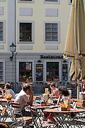 Dresden Neustadt, Biergarten, Strassenlokal an der DreiKoenigskirche,  Dresden, Sachsen, Deutschland.|.Dresden, Germany,  Dresden Neustadt, beergarden near DreiKoenigskirche