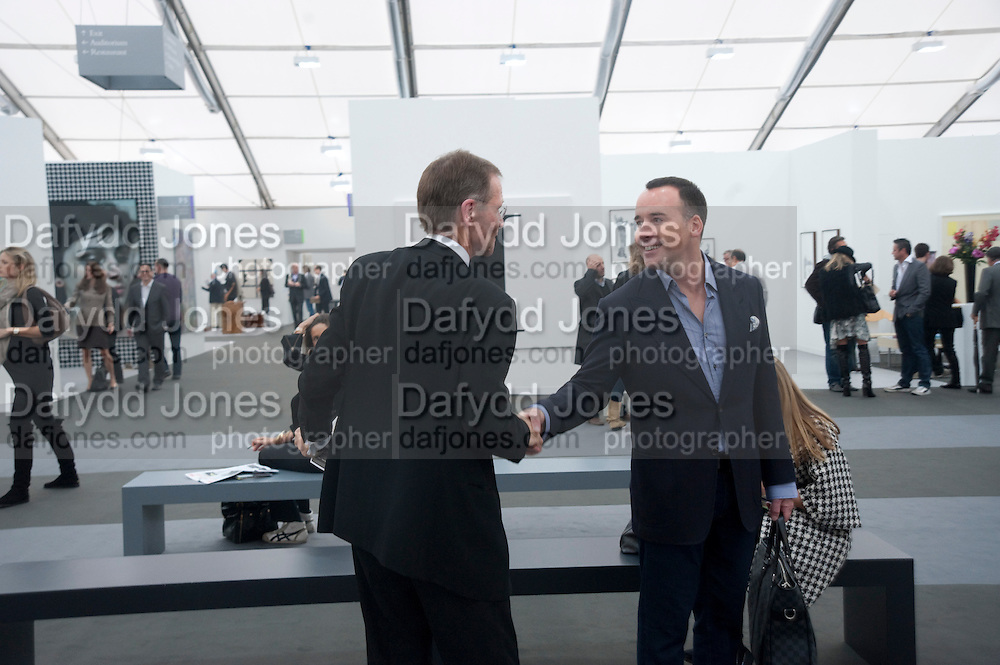 SIR NICHOLAS SEROTA; DAVID FURNISH, Opening of Frieze 2009. Regent's Park. London. 14 October 2009 *** Local Caption *** -DO NOT ARCHIVE-© Copyright Photograph by Dafydd Jones. 248 Clapham Rd. London SW9 0PZ. Tel 0207 820 0771. www.dafjones.com.<br /> SIR NICHOLAS SEROTA; DAVID FURNISH, Opening of Frieze 2009. Regent's Park. London. 14 October 2009