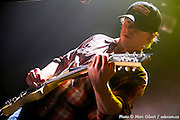 """Concert de Guillaume Arsenault - 32e Festival en Chanson de Petite Vallée """"OK on part"""". Couverture photographique © Marc Gibert / adecom.ca pour Francophonie Express à  Théâtre de la Vieille Forge / Petite Vallée / Gaspésie, Quebec / Canada / 2014-07-03, Photo © Marc Gibert / adecom.ca"""