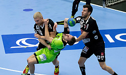 12.11.2016, BSFZ Suedstadt, Maria Enzersdorf, AUT, HLA, SG INSIGNIS Handball WESTWIEN vs Sparkasse Schwaz HANDBALL TIROL, Grunddurchgang, 12. Runde, im Bild Anton Prakapenia (Sparkasse Schwaz HANDBALL TIROL), Simon Pratschner (WestWien), Damir Djukic (Sparkasse Schwaz HANDBALL TIROL) // during Handball League Austria, 12 th round match between SG INSIGNIS Handball WESTWIEN and Sparkasse Schwaz HANDBALL TIROL at the BSFZ Suedstadt, Maria Enzersdorf, Austria on 2016/11/12, EXPA Pictures © 2016, PhotoCredit: EXPA/ Sebastian Pucher