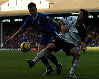 Fotball<br /> Premier League England 2004/2005<br /> Foto: BPI/Digitalsport<br /> NORWAY ONLY<br /> <br /> 13/11/2004 <br /> Fulham v Chelsea<br /> <br /> John Terry, left, is thwarted by fellow defender Carlos Bocanegra