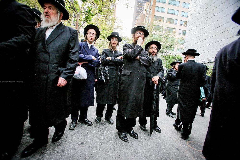Orthodox Jews protest Israeli treatment of hasada jews in the Middle East.