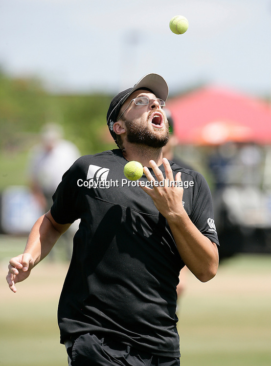 Captain Daniel Vettori during a warm up. New Zealand Black Caps v Sri Lanka, international exhibition Twenty 20 cricket match, Central Broward Regional Park, Florida, United States of America. 23 May 2010. Photo: Barry Bland/PHOTOSPORT