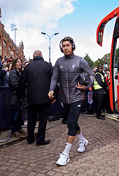 LONDON, ENGLAND - Sunday, March 17, 2019: Liverpool's Roberto Firmino arrives before the FA Premier League match between Fulham FC and Liverpool FC at Craven Cottage. (Pic by David Rawcliffe/Propaganda)