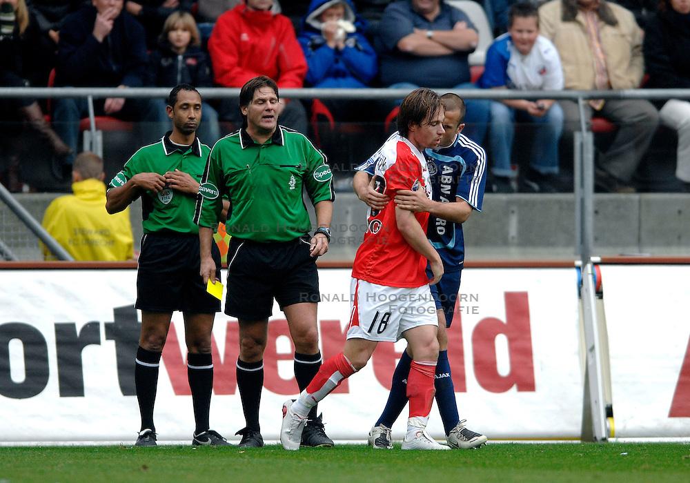 28-10-2007 VOETBAL: FC UTRECHT - AJAX: UTRECHT<br /> Ajax wint met 1-0  van Utrecht / Gregoor van Dijk<br /> &copy;2007-WWW.FOTOHOOGENDOORN.NL