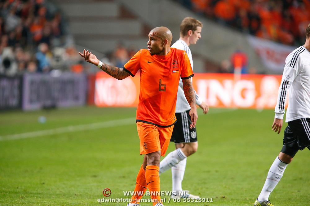 NLD/Amsterdam/20121114 - Vriendschappelijk duel Nederland - Duitsland, Nigel de Jong protesteert
