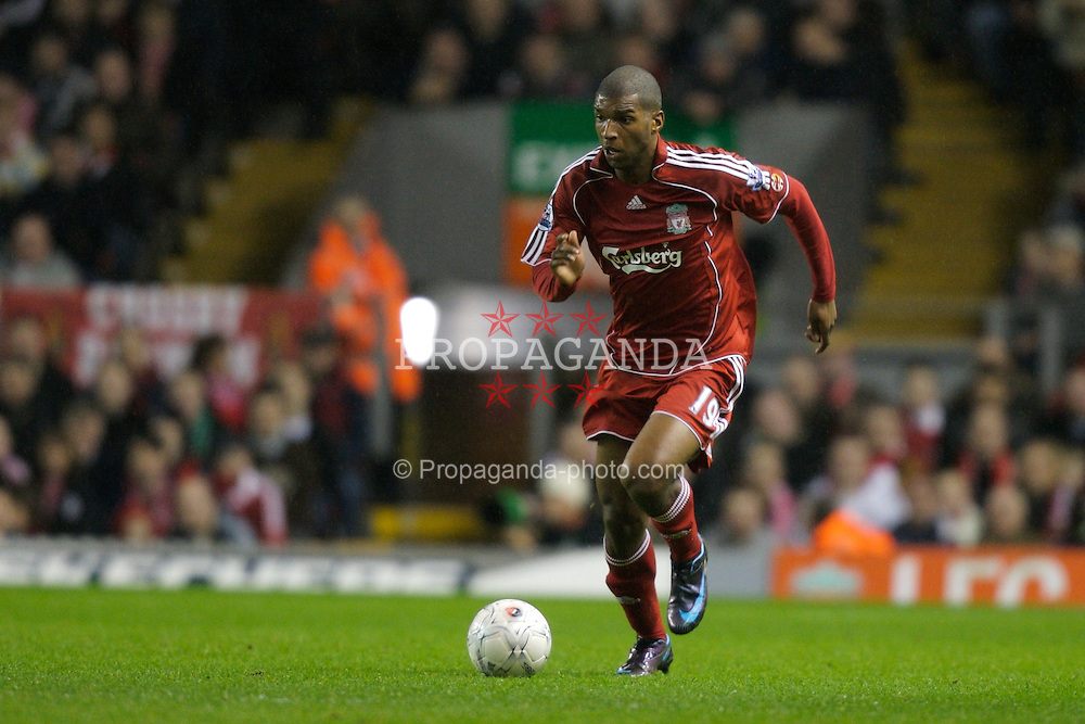 LIVERPOOL, ENGLAND - Tuesday, January 15, 2008: Liverpool's Ryan Babel in action against Luton Town during the FA Cup 3rd Round Replay at Anfield. (Photo by David Rawcliffe/Propaganda)