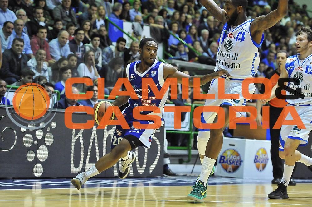 DESCRIZIONE : Gara 5 PlayOff Banco di Sardegna Dinamo Sassari - Lenovo Pallacanestro Cant&ugrave;<br /> GIOCATORE : Joe Ragland<br /> CATEGORIA : Palleggio Penetrazione<br /> SQUADRA :  Lenovo Cant&ugrave;<br /> EVENTO : PlayOff<br /> GARA : Banco di Sardegna Dinamo Sassari - Lenovo Pallacanestro Cant&ugrave;<br /> DATA : 17/05/2013<br /> SPORT : Pallacanestro <br /> AUTORE : Agenzia Ciamillo-Castoria / Luigi Canu<br /> Galleria : Lega Basket A 2012-2013  <br /> Fotonotizia : Gara 5 PlayOff Banco di Sardegna Dinamo Sassari - Lenovo Pallacanestro Cant&ugrave;<br /> Predefinita :