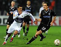 Fotball<br /> Østerrike<br /> Foto: Gepa/Digitalsport<br /> NORWAY ONLY<br /> <br /> 20.10.2011<br /> UEFA Europa League, Gruppenphase, SK Sturm Graz vs RSC Anderlecht. <br /> <br /> Bild zeigt Matias Suarez (Anderlecht) und Thomas Burgstaller (Sturm).