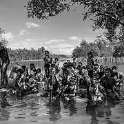Rohingyas who fled Myanmar are arriving in Bangladesh through the Naf River on a makeshift raft near Noya Para - Teknaf - Bangladesh on 11th november 2017.<br /> Des Rohingyas ayant fui le Myanmar arrivent au Bangladesh par la rivière Naf sur un radeau de fortune près de Noya Para - Teknaf - Bangladesh le 11 novembre 2017.