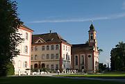 Insel Mainau, Schloss und Schlosskirche, Bodensee, Baden-Württemberg, Deutschland.. | ..Isle of Mainau, palace and palace church, Lake Constance, Germany