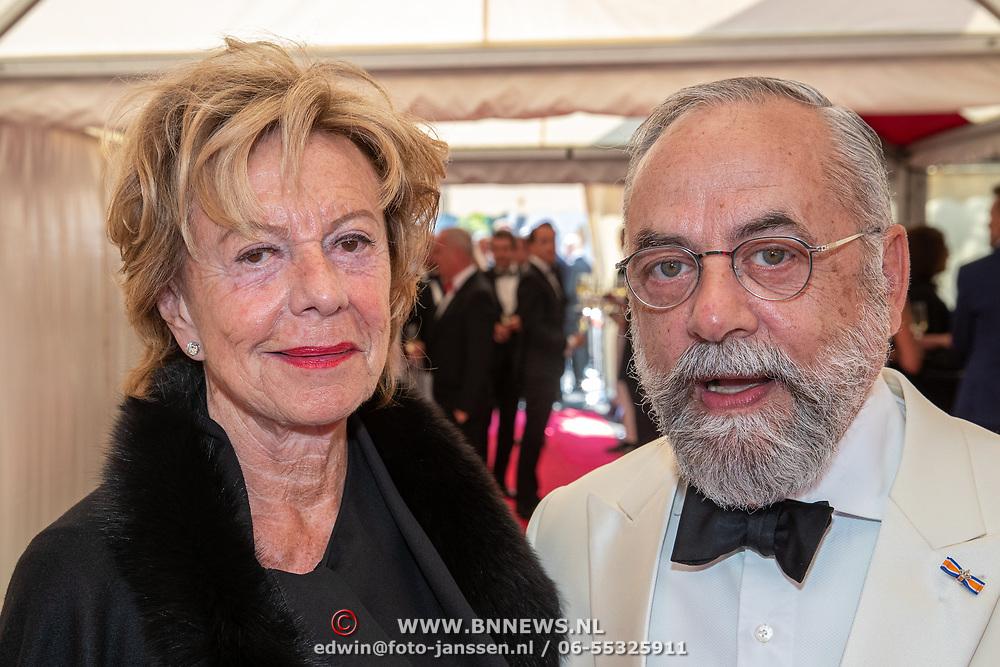 NLD/Amsterdam/201905225 - Amsterdamdiner 2019, Neelie Kroes en Oscar Hammerstein