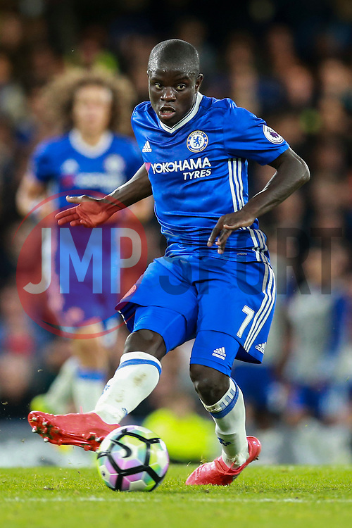 Ngolo Kante of Chelsea in action - Mandatory by-line: Jason Brown/JMP - 16/09/2016 - FOOTBALL - Stamford Bridge - London, England - Chelsea v Liverpool - Premier League