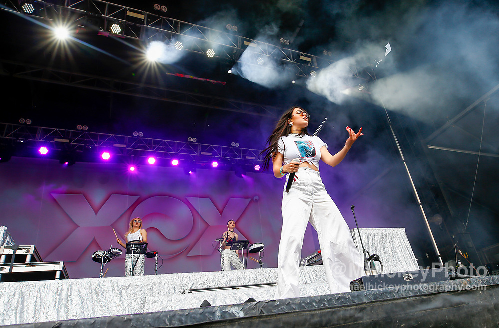 CHICAGO, IL - AUGUST 06: Charli XCX performs at Grant Park on August 6, 2017 in Chicago, Illinois. (Photo by Michael Hickey/Getty Images) *** Local Caption *** Charli XCX
