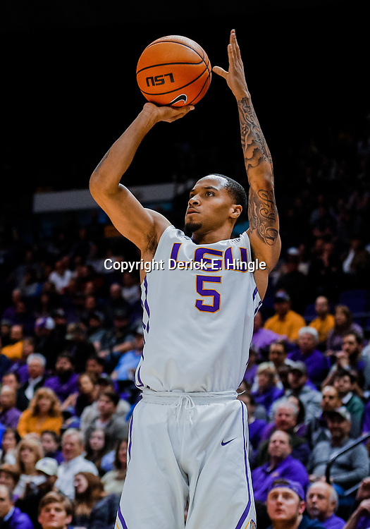 Jan 23, 2018; Baton Rouge, LA, USA; LSU Tigers guard Daryl Edwards (5) shoots against the Texas A&M Aggies during the second half at the Pete Maravich Assembly Center. LSU defeated Texas A&M 77-65. Mandatory Credit: Derick E. Hingle-USA TODAY Sports