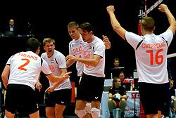 22-09-2013 VOLLEYBAL: EK MANNEN NEDERLAND - SLOVENIE: HERNING<br /> Nederland wint met 3-1 van Slovenie en plaatst zich voor de volgende ronde / (L-R) Nico Freriks , Jelte Maan, Thijs ter Horst, Thomas Koelewijn, Robin Overbeeke<br /> ©2013-FotoHoogendoorn.nl<br />  / SPORTIDA
