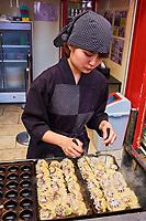 Japon, île de Honshu, Kansai, Osaka, le quartier de Shinsekai, cuisine de rue // Japon, îHonshu, Kansai, Osaka, street food