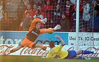 Photo: Kevin Poolman.<br /> <br /> Swindon Town v Hereford United. Coca Cola League 2. 04/11/2006. Andy Williams of Hereford pust the ball past Swindon keeper Andy Lonergan to make it 1-1.