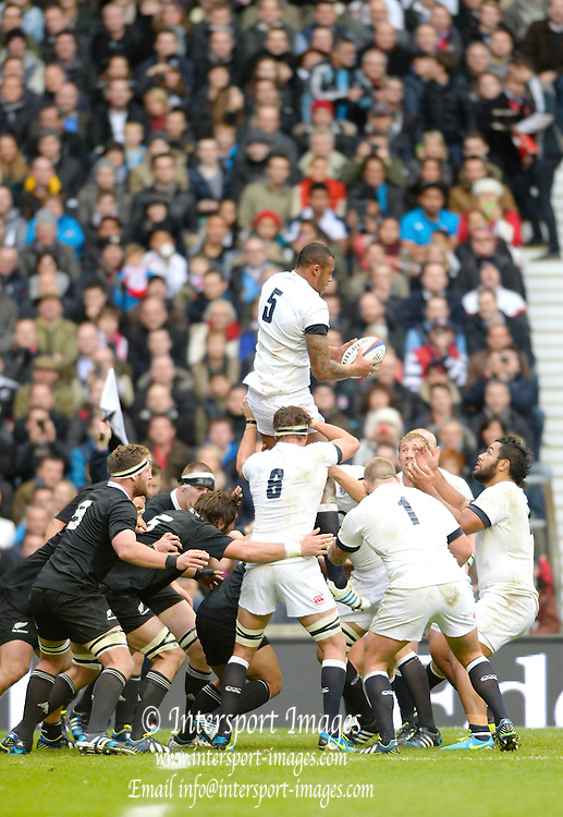 Twickenham, United Kingdom, England's Courtney LAWES catches the line out  ball,  during the 2013 QBE  AutumnRugby International, England vs New Zealand, played  Saturday  16/11/2013 at the RFU Stadium Twickenham,<br /> England. [Mandatory Credit: Peter Spurrier/Intersport<br /> Images}