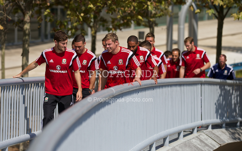 BARCELONA, SPAIN - Monday, September 8, 2014: Wales' Ben Davies and Simon Church take a stroll in Barcelona ahead of the opening UEFA Euro 2016 qualifying match against Andorra. (Pic by David Rawcliffe/Propaganda)