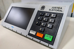 October 5, 2018 - SãO Paulo, São Paulo, Brazil - SAO PAULO SP, SP 05/10/2018 BRAZIL ELEIÇOES: An electronic ballot used for training is displayed at the headquarters of the Regional Electoral Tribunal (TRE) (Credit Image: © Cris Faga/ZUMA Wire)