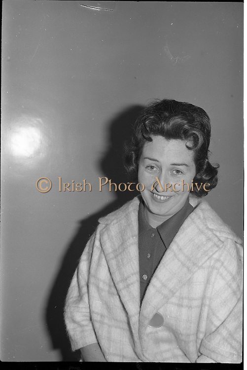 Gael Linn Bingo..1963..03.10.1963..10.03.1963..3rd October 1963..Gael Linn bingo took place in Whitehall Cinema last night, it set a record when Mrs Kathleen Sperrin from Swords Road, Dublin filled a line in only 8 calls. This achievement completed in a time of only 30 seconds won a bonus prize of £100 for Mrs Sperrin in addition to the ordinary prize...Image of Mrs Kathleen Sperrin from Swords who won the bonus prize of £100 for successfully completing a line in only eight calls.