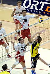 04-03-2006 VOLLEYBAL: FINAL 4 HEREN: PIET ZOOMERS D - ORTEC NESSELANDE: ROTTERDAM<br /> In een mooie halve finale werd Piet Zoomers D met 3-1 verslagen door Ortec Nesselande / Dirk Jan van Gendt en Jairo Hooi<br /> Copyrights 2006 WWW.FOTOHOOGENDOORN.NL