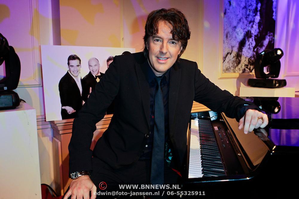 NLD/Hilversum/20111130 - Rene Froger & Jeroen van der Boom geven concert voor Stichting Don, Michiel Borstlap