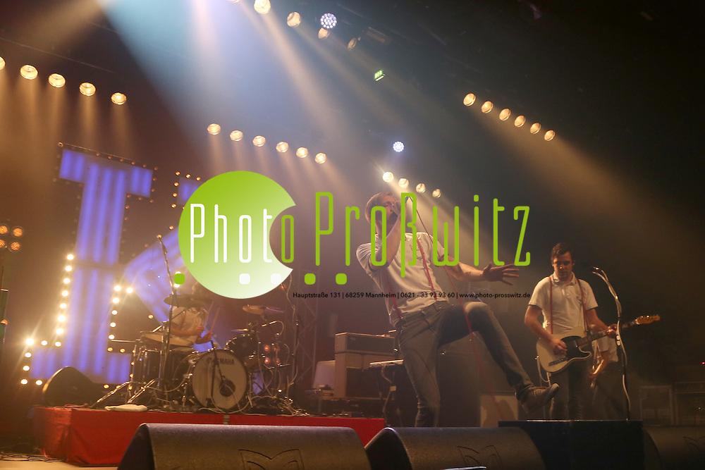 Mannheim. 27.10.12 Maimarktclub. Konzert der Band Kraftklub<br /> <br /> Bild: Markus Pro&szlig;witz 28OCT12 /masterpress /