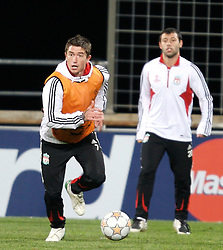 MARSEILLE, FRANCE - Monday, December 10, 2007: Liverpool's Harry Kewell training at the Stade Velodrome ahead of the final UEFA Champions League Group A match against Olympique de Marseille. Liverpool must win to progress to the knock-out stage. (Photo by David Rawcliffe/Propaganda)