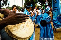 28/10/2005 -  - Espirito Santo - Linhares - Banda de Congo na Festa do Cabloco Bernardo na Vila de Regência - Foto: Tadeu Bianconi/ Mosaico Imagem