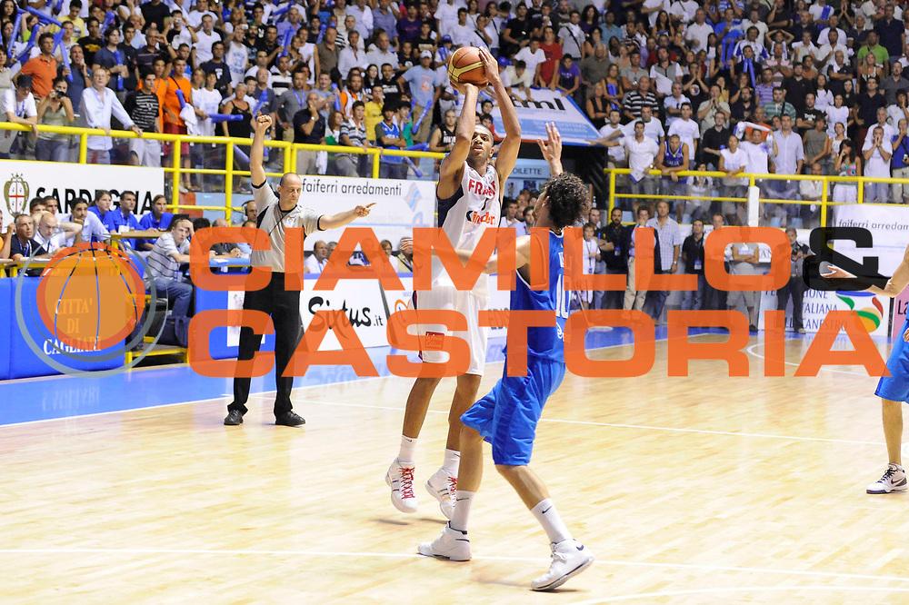 DESCRIZIONE : Cagliari Eurobasket Men 2009 Additional Qualifying Round Italia Francia<br /> GIOCATORE : Nicolas Batum<br /> SQUADRA : Francia France<br /> EVENTO : Eurobasket Men 2009 Additional Qualifying Round <br /> GARA : Italia Francia Italy France<br /> DATA : 05/08/2009 <br /> CATEGORIA : tiro<br /> SPORT : Pallacanestro <br /> AUTORE : Agenzia Ciamillo-Castoria/G.Ciamillo