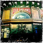 Paris, France. 17 Decembre 2011..OLD ENGLAND