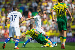 Christian Pulisic of Chelsea Marco Stiepermann of Norwich City battles for possession - Mandatory by-line: Phil Chaplin/JMP - 24/08/2019 - FOOTBALL - Carrow Road - Norwich, England - Norwich City v Chelsea - Premier League