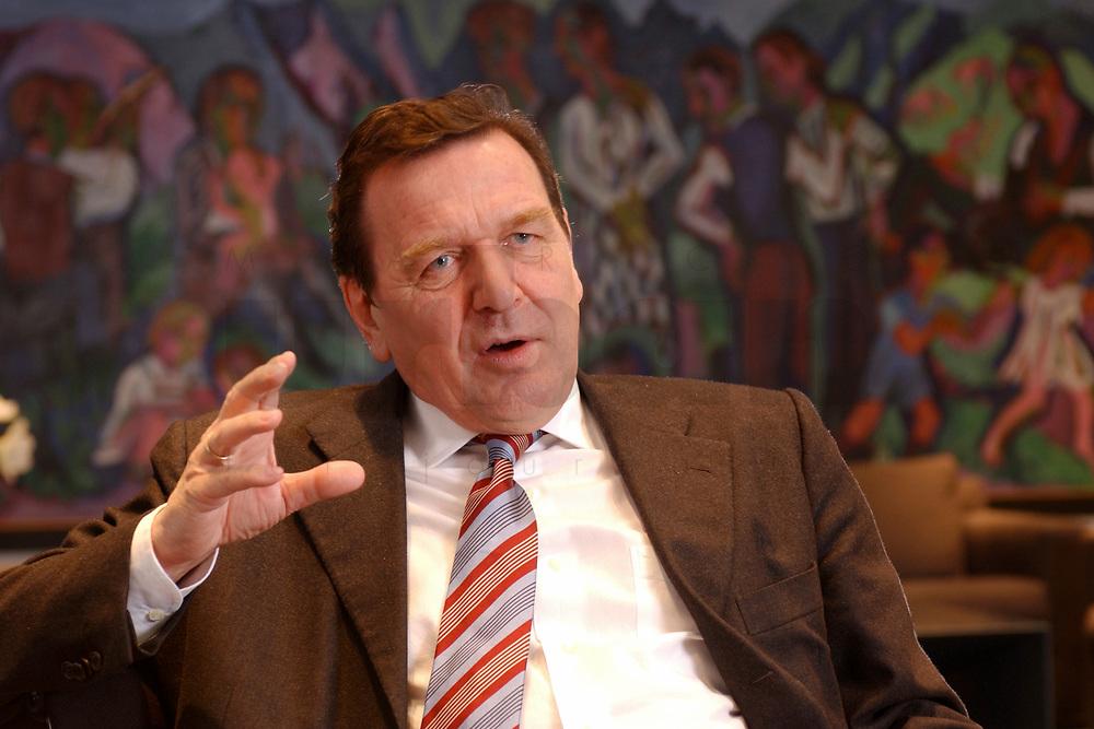 09 JAN 2002, BERLIN/GERMANY:<br /> Gerhard Schroeder, SPD, Bundeskanzler, waehrend einem Interiew, in seinem Buero, Bundeskanzleramt<br /> Gerhard Schroeder, SPD, Federal Chancellor of Germany, during an interview, in his office<br /> IMAGE: 20020109-02-023<br /> KEYWORDS: Gerhard Schröder